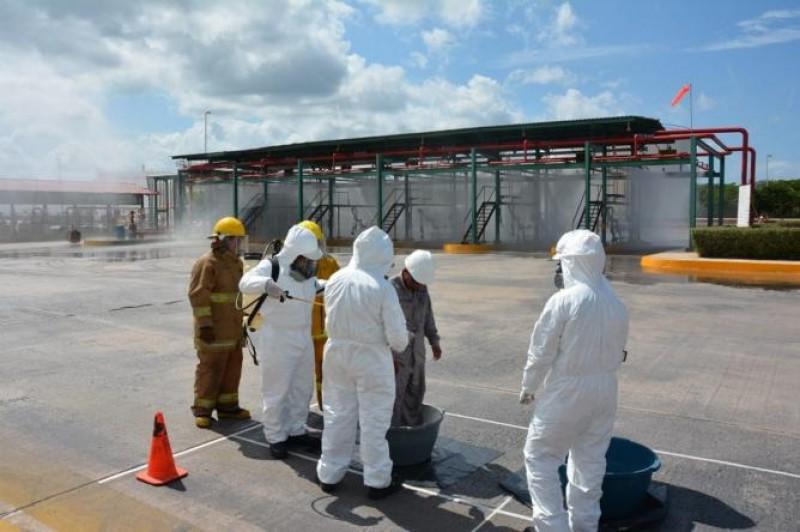 Descartan riesgo en el aire tras accidente en Pemex