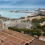 Ecologistas y vecinos de Barcelona piden limitar la publicidad de cruceros y vehículos de combustión