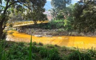 Alerta por dos nuevos vertimientos contaminantes en el río Medellín