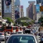 Aire contaminado y ruido llevan a la hipertensión