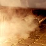 España presiona en Europa para que los coches de gasolina puedan contaminar más