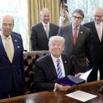 Trump se prepara para deshacer el plan de energía limpia de Obama