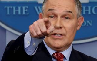 Dimite el jefe de la agencia medioambiental de EE UU acechado por los escándalos