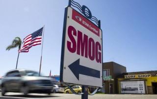Trump propone rebajar los objetivos de reducción de gases de los coches