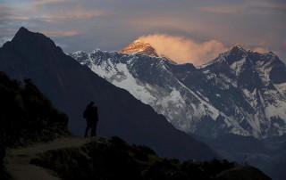 Un aumento de 2ºC en la temperatura podría derretir la mitad de los glaciares del Himalaya, según 210 científicos